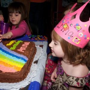 Anna & her cake